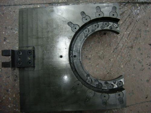 Плита (направляющая головки с пластинами) 0640.00-1068.1.3 от машин ЗПК Шён 640ТС (ТСТ)