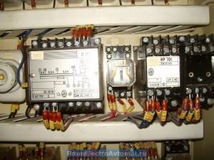 Zlin 06144. Машина для двоения и выравнивания по толщине. Шкаф управления.