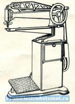 Minerva 01204-Р1. Починочная швейная машина