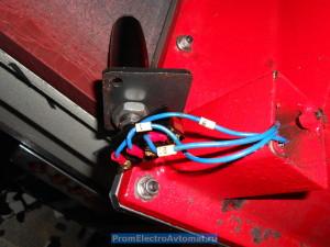 Пресс вырубочный обувной Ares. Кнопки управления