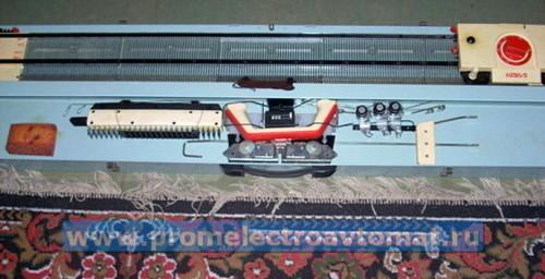Neva 5 - домашняя вязальная машина